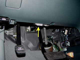 Nissan Pathfinder as well Nissan Quest furthermore Belt Tentioners likewise  on 2003 nissan xterra obd port location